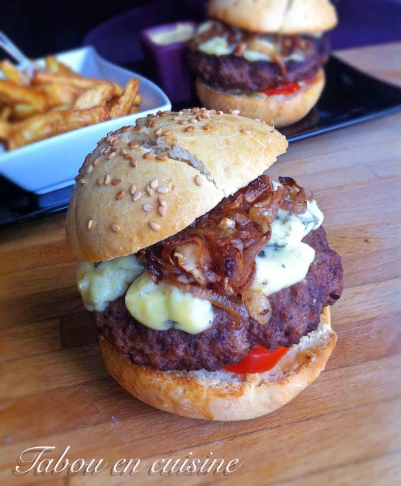 Hamburger à la fourme d'Ambert et échalote