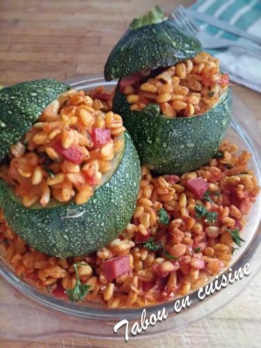 Courgettes rondes farcies au blé et lardons de dinde